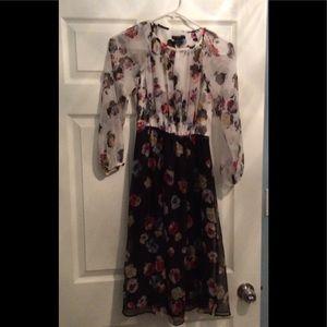 Ann Taylor White/Black Illusion Floral Flow Dress